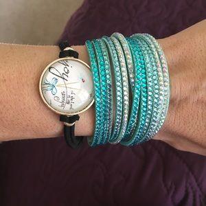 2 bracelet set.